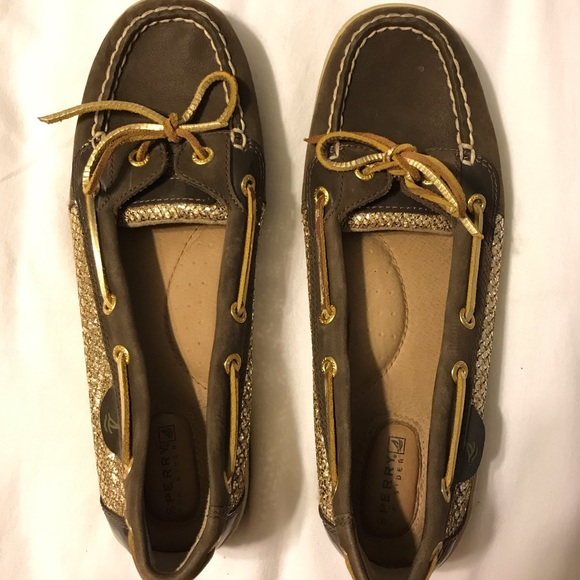 Sperry Shoes - Never wear, only worn a few times.